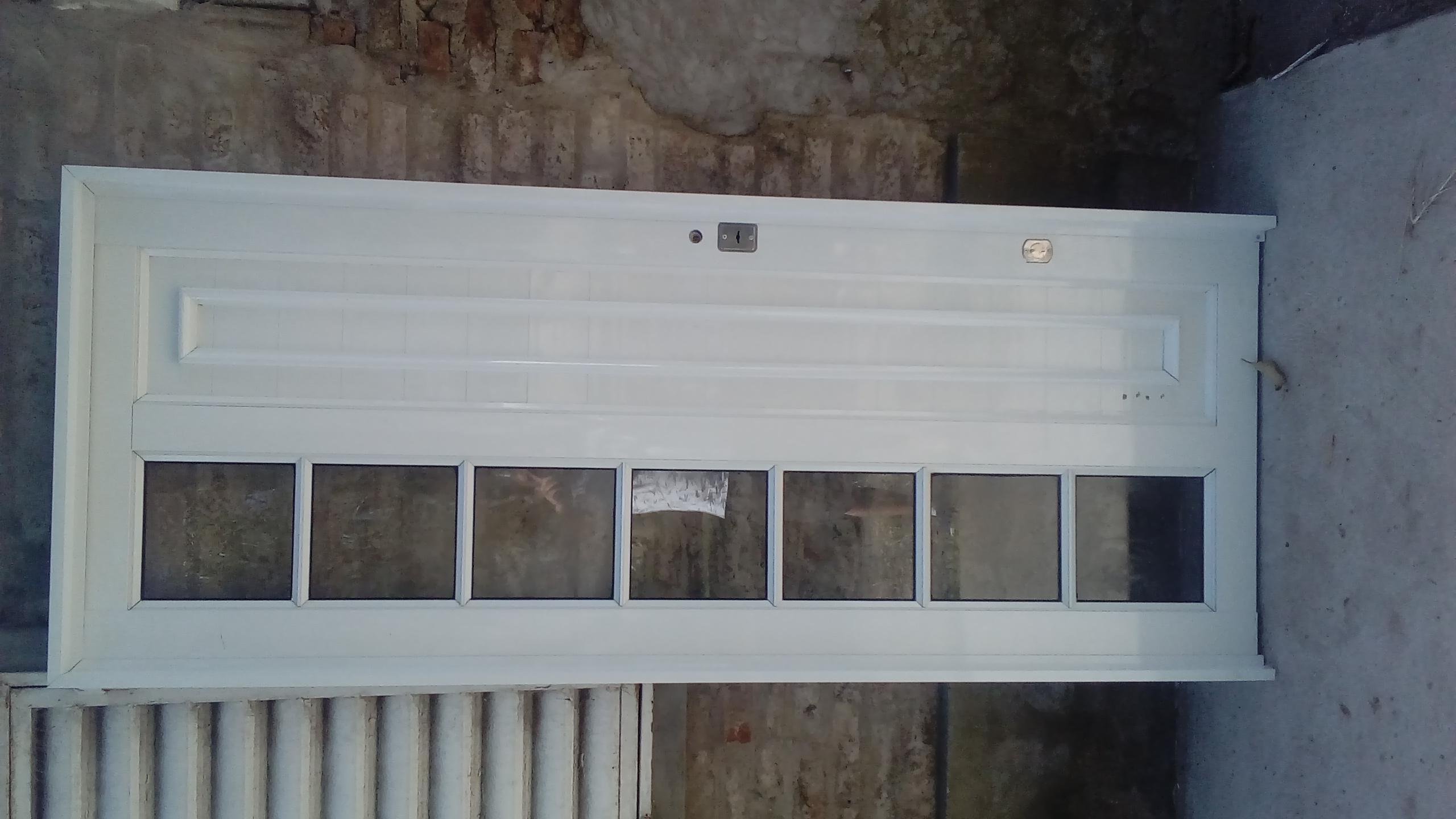 Aberturas de aluminio y vidrios.